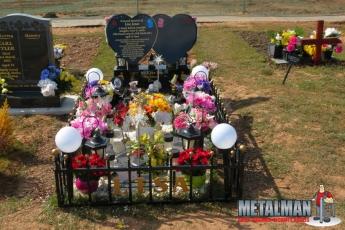 Grave surround