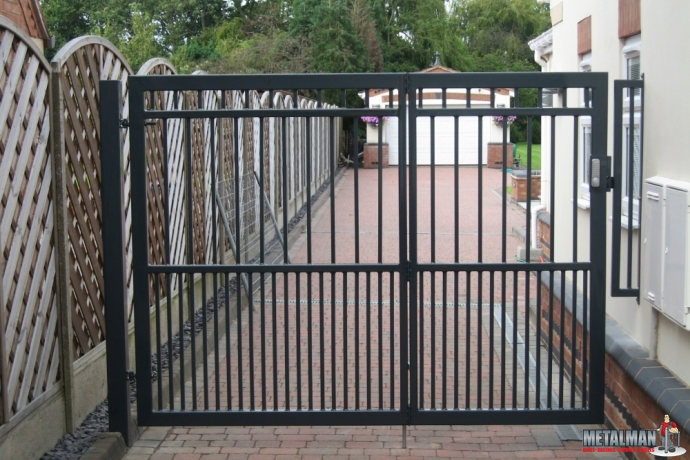 Bespoke Design Bi-Fold Gates
