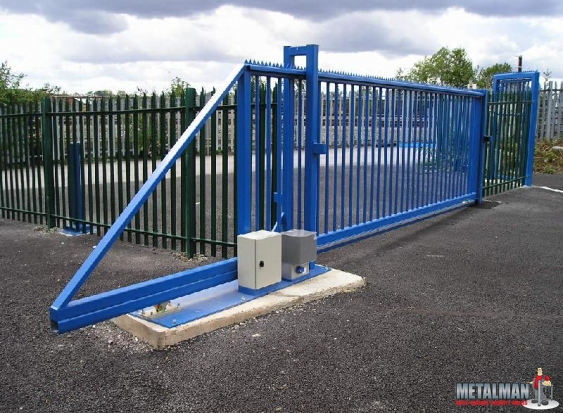 Cantilever Sliding Gate Automated